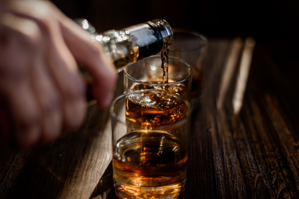 Alcohol and a high-fat diet: a combination favoring overfeeding